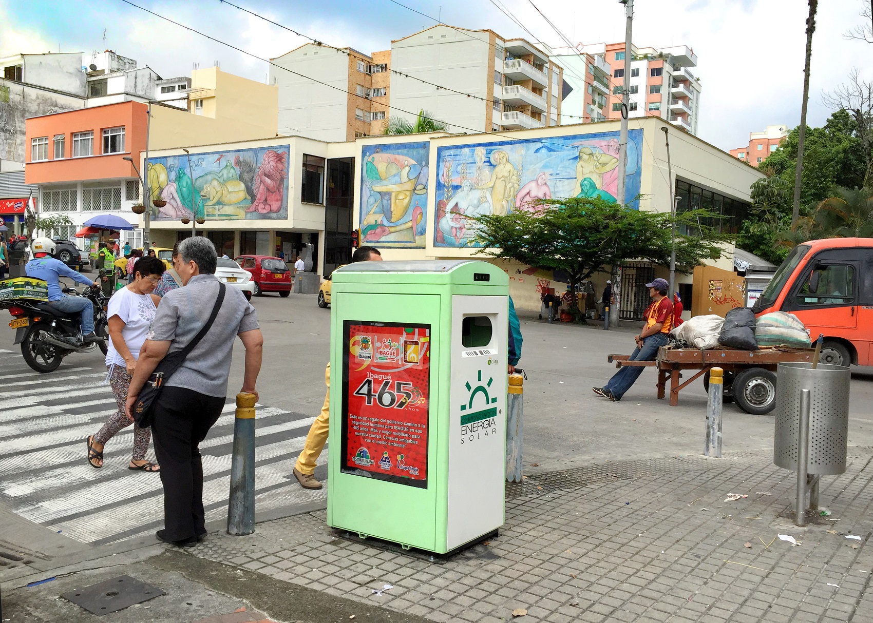 Ibague solar-powered waste bin